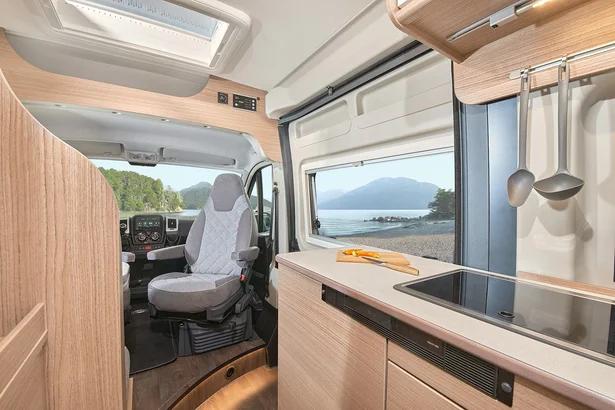 Küche - Carado Camper Van im Autohaus Mayrhörmann GmbH
